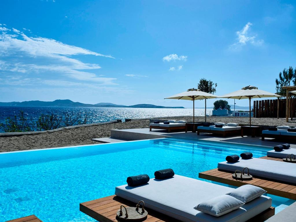 The swimming pool at or near Bill & Coo Coast Suites -The Leading Hotels of the World