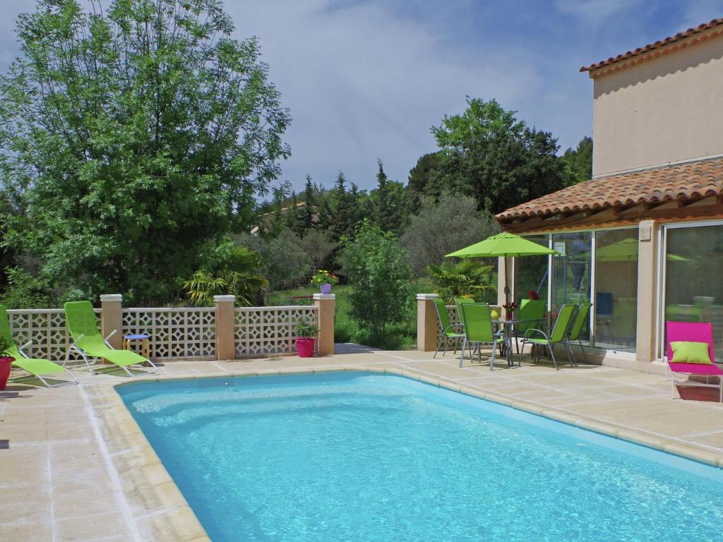 The swimming pool at or near Spacious Villa in Aups with Swimming Pool