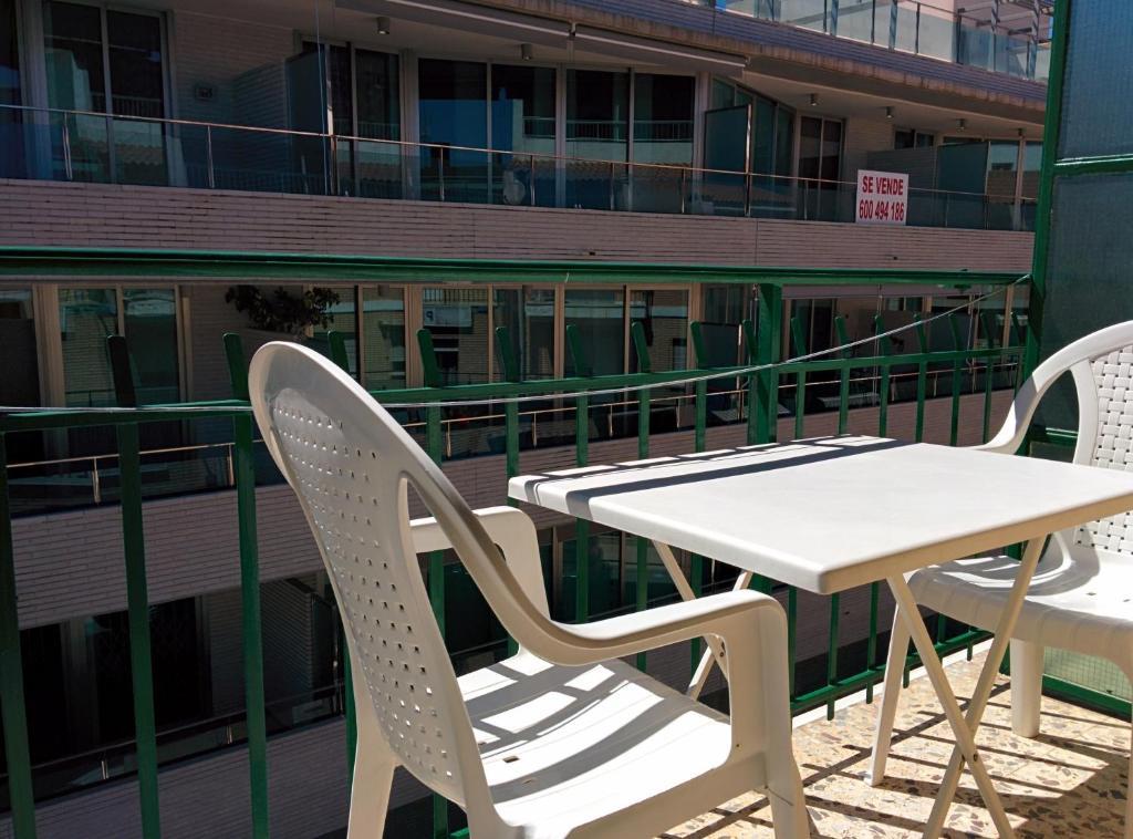 A balcony or terrace at PENSIÓN EGEA 1