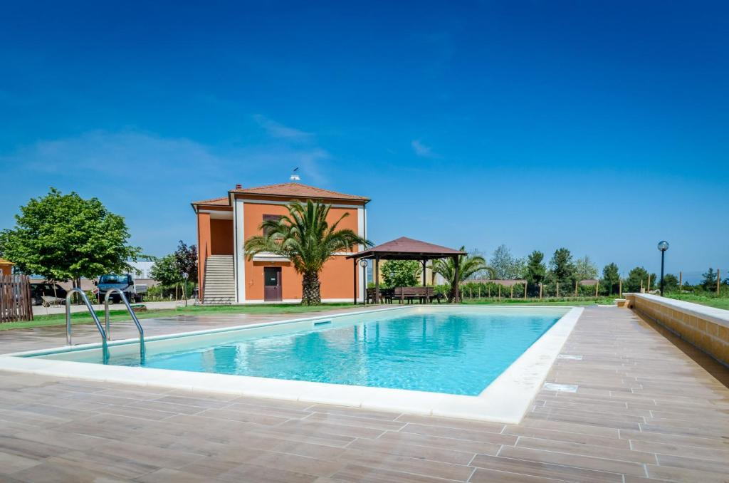 The swimming pool at or near Agriturismo Agrimare Barba