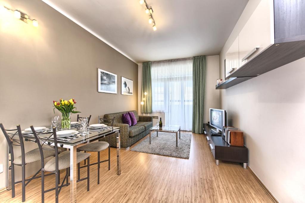 Een zitgedeelte bij Ostrovni 7 Apartments
