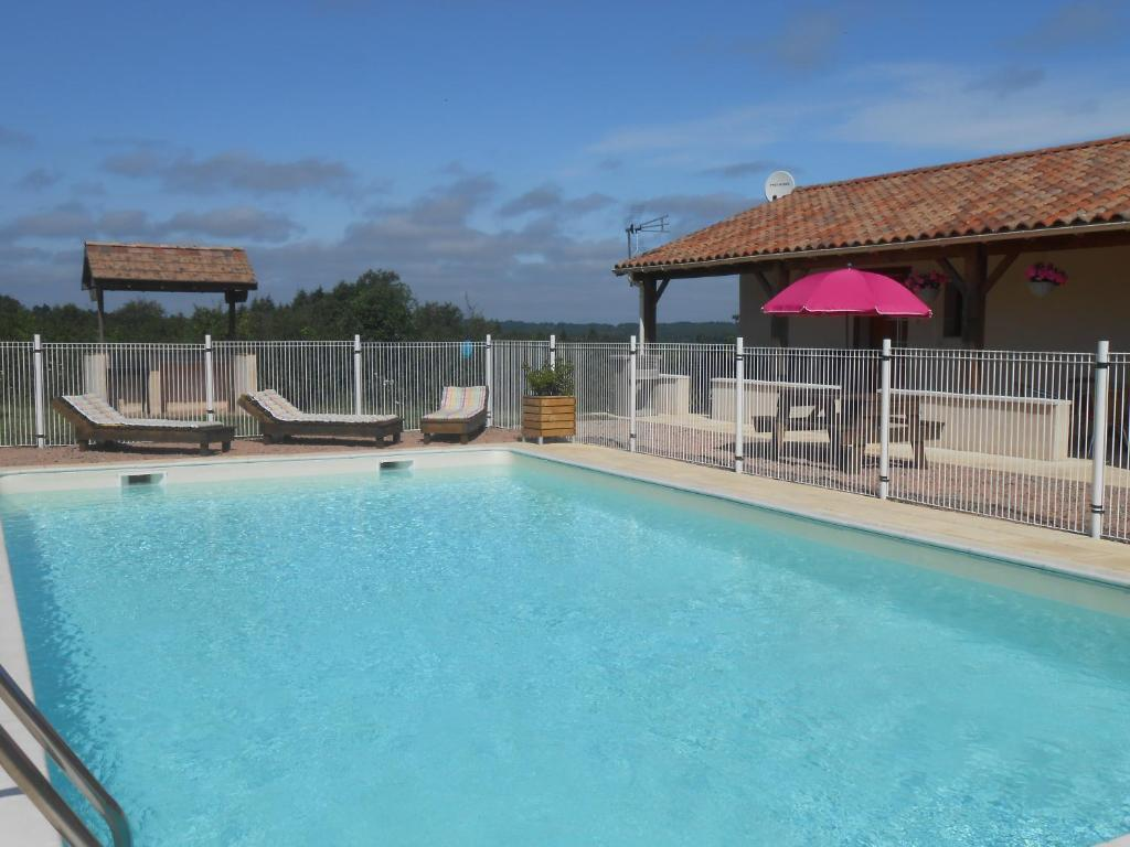 Hotels In Marval