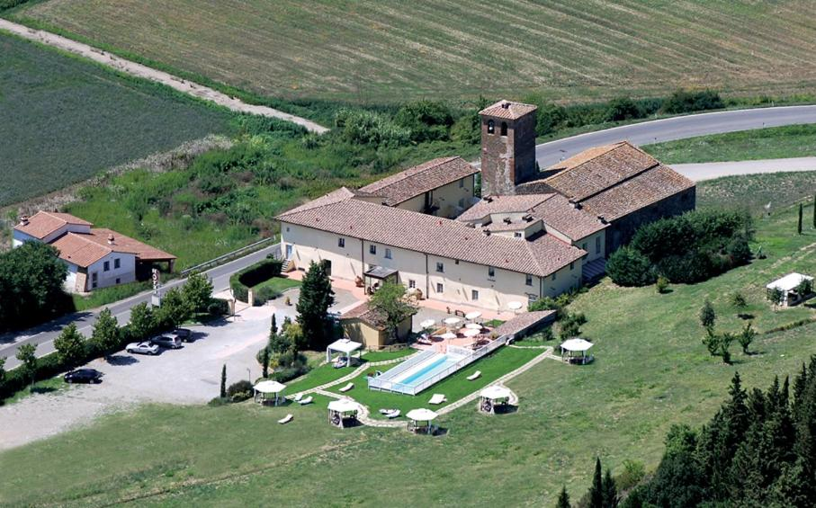 A bird's-eye view of Borgo Sant'ippolito Country Hotel