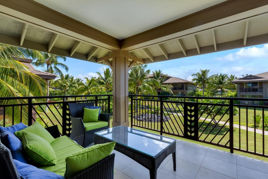 A balcony or terrace at Castle Halii Kai at Waikoloa