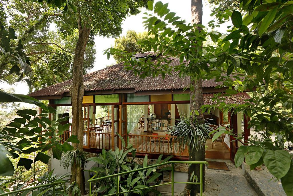Ein Patio oder anderer Außenbereich in der Unterkunft Ambong-Ambong Langkawi Rainforest Retreat