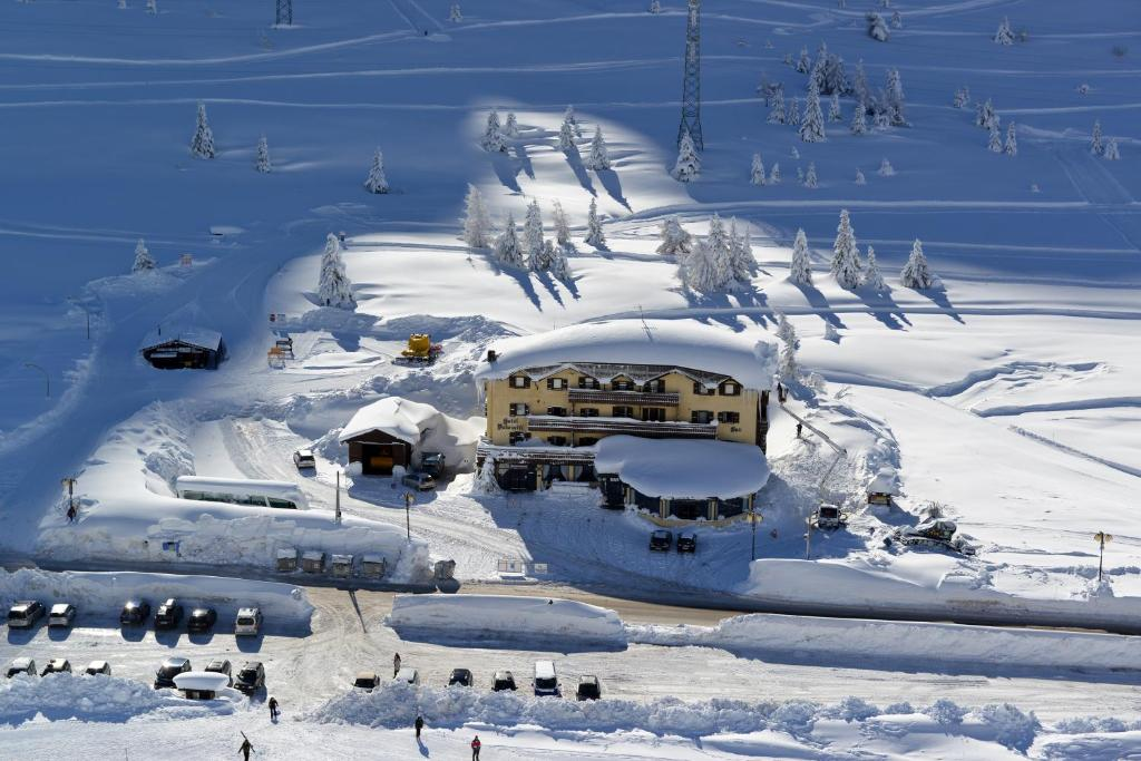 Hotel Dolomiti during the winter