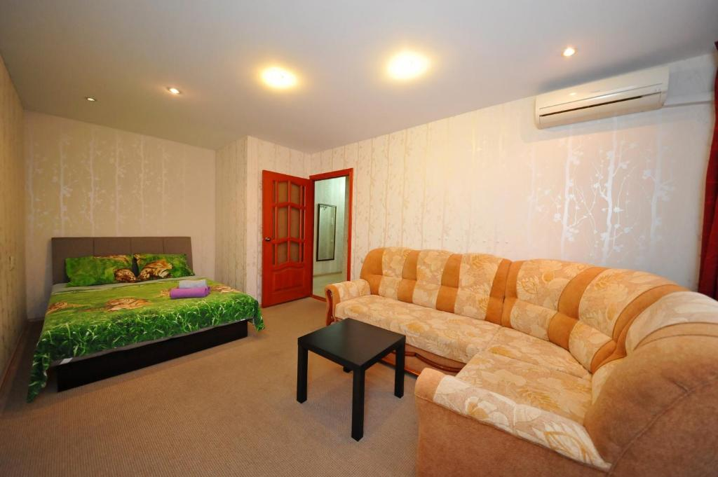 A seating area at Apartment on Lenina 6