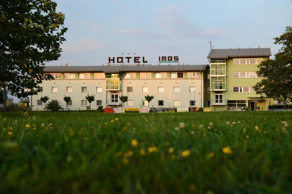 Zahrada ubytování Hotel Imos