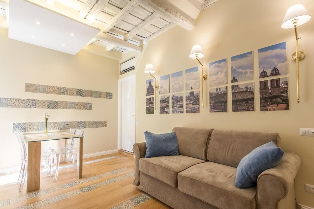 O lounge ou bar de Boschetto 124 Apartment
