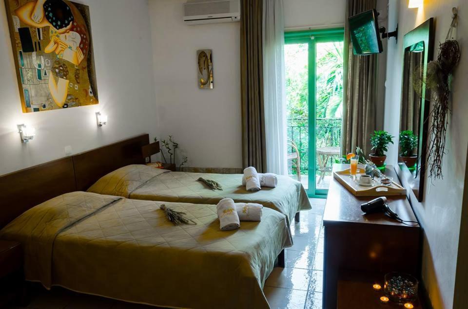 Ένα δωμάτιο στο Ξενοδοχείο Κωστής