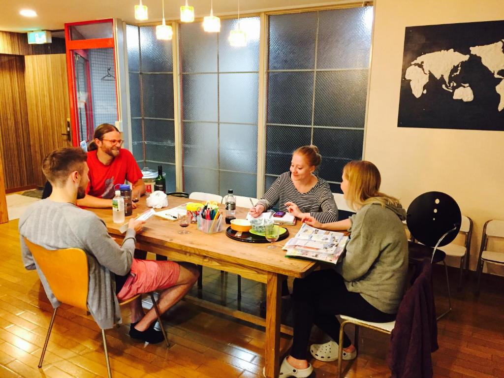 Guests staying at The Evergreen Hostel 長期ステイ歓迎