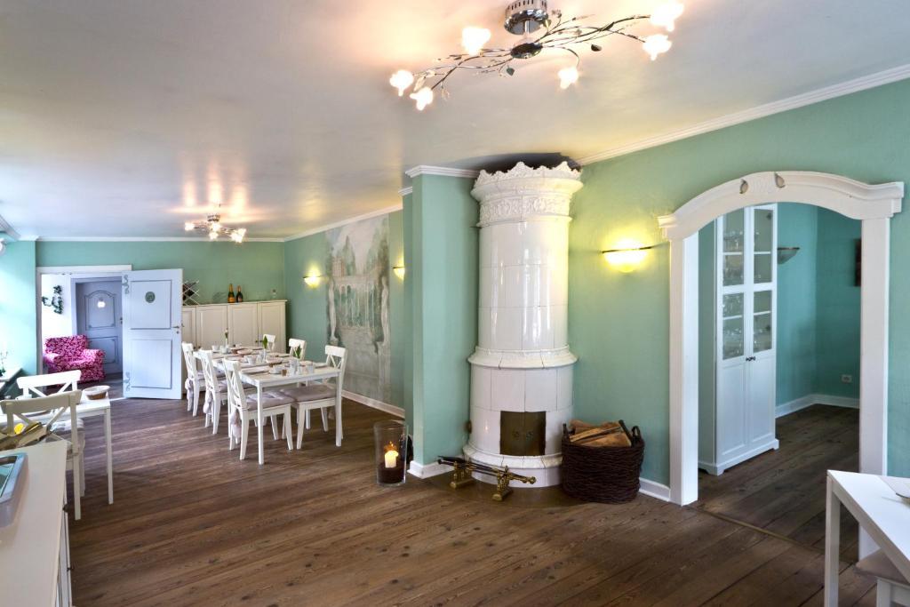 Ein Restaurant oder anderes Speiselokal in der Unterkunft Hotel Bed & Breakfast am Dom