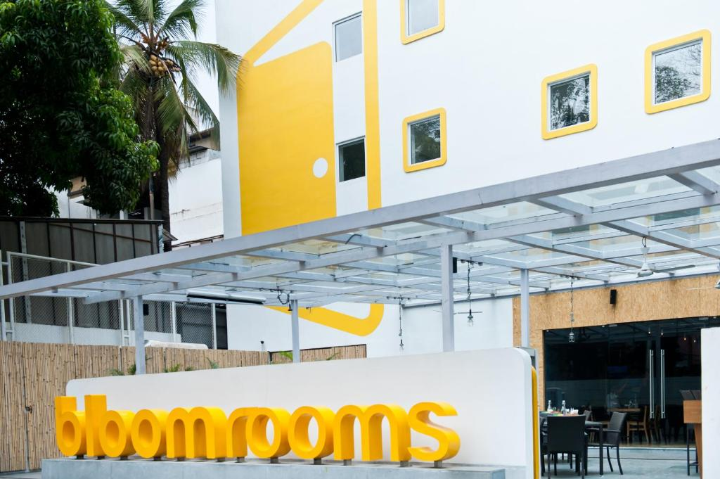 Hotel Bloomrooms Indiranagar Bangalore India Booking Com