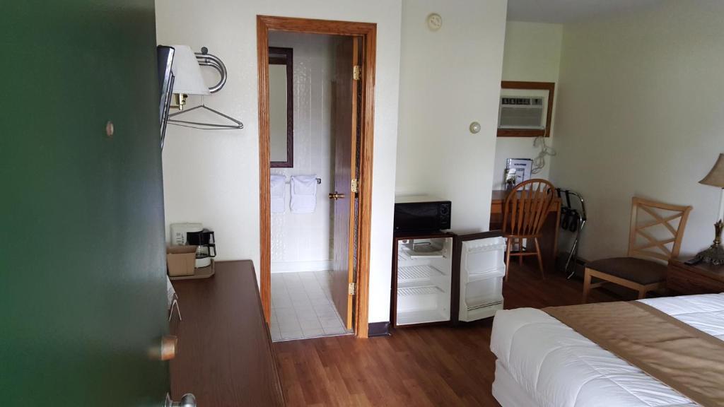 A room at Budget Host Inn