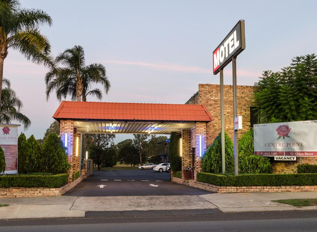 The facade or entrance of Centrepoint Midcity Motor Inn