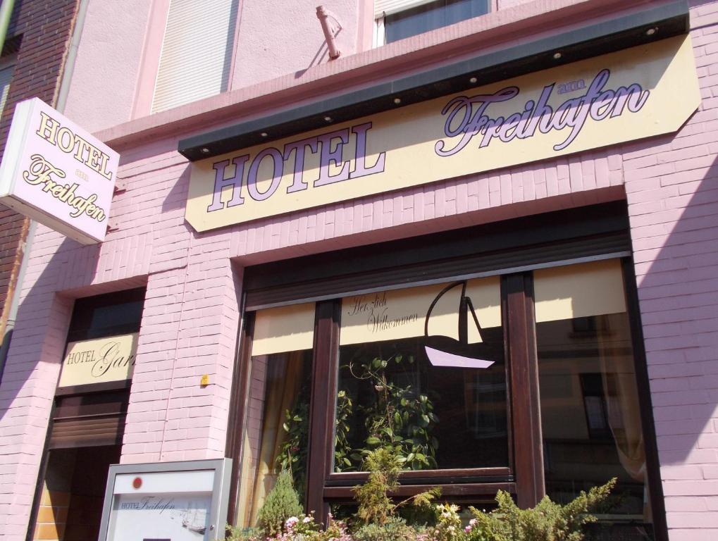 Фасад или вход в Hotel am Freihafen