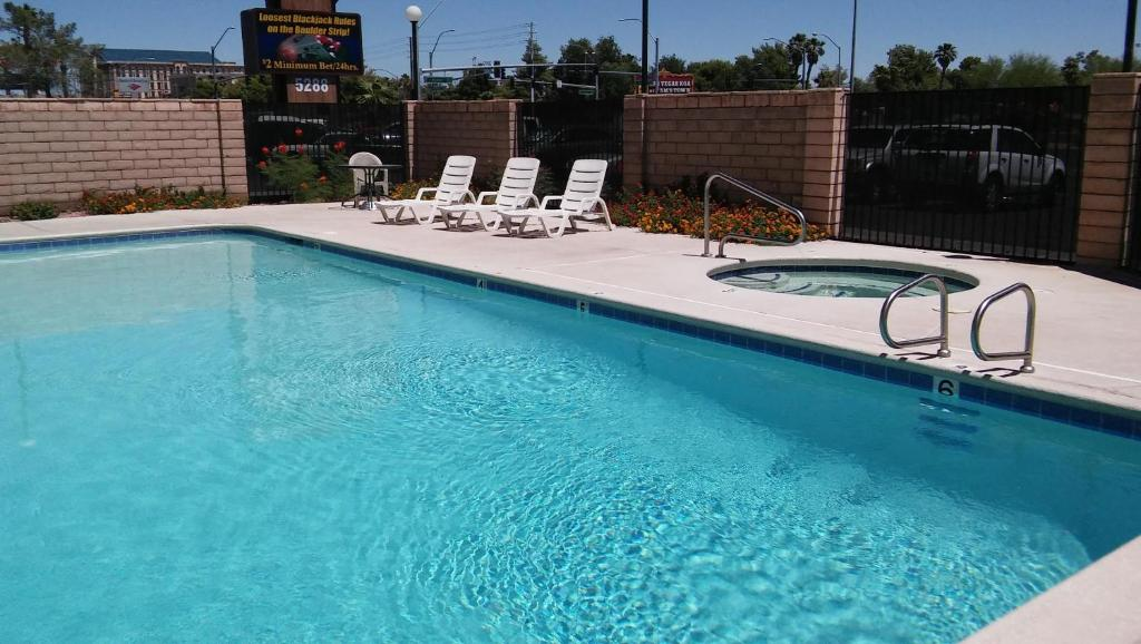 The swimming pool at or near Longhorn Boulder Highway