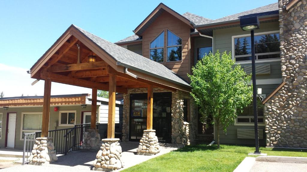 A porch or other outdoor area at Elkwater Lake Lodge and Resort