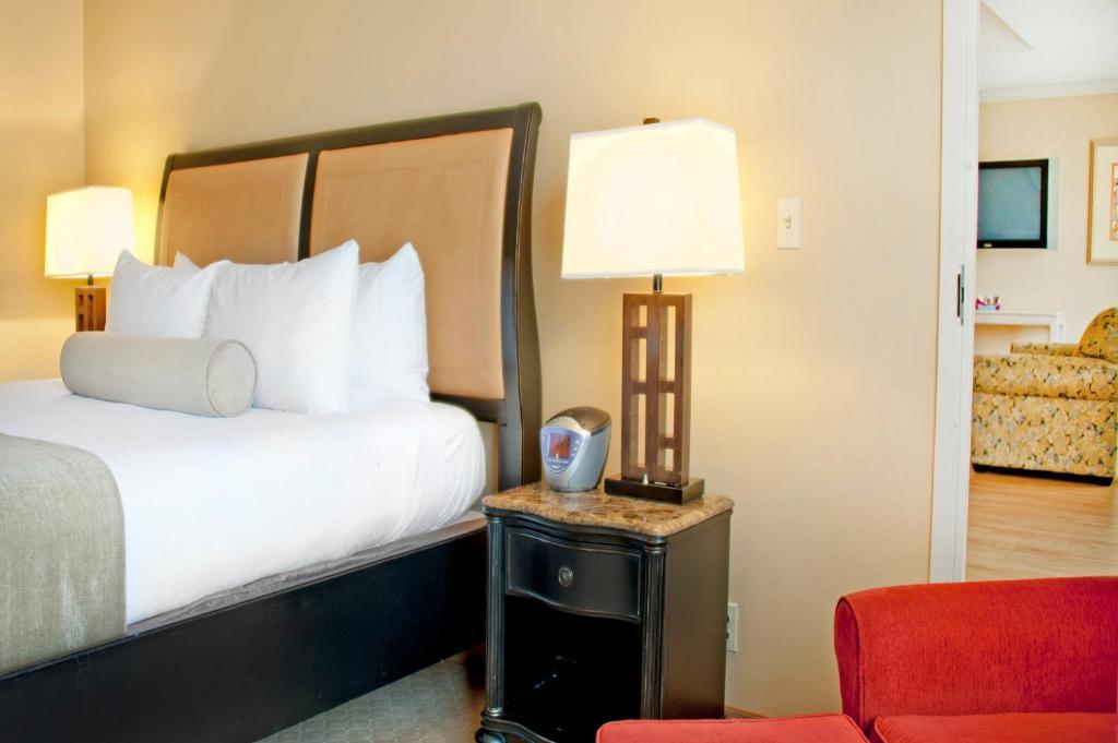 Pensacola Grand Hotel Fl Booking Com