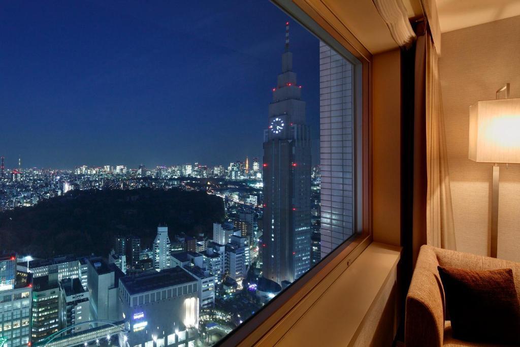 фото ночного лондона из окна котором