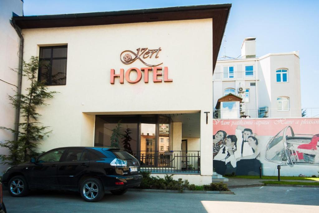 Exteriér alebo vchod do ubytovania Hotel Kert