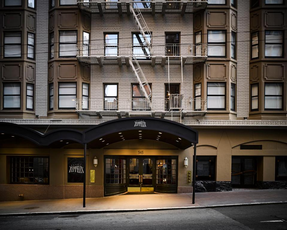 The facade or entrance of Hotel Zeppelin San Francisco