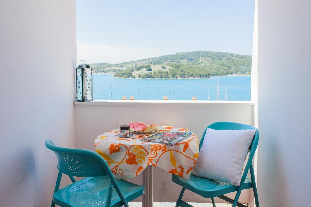A balcony or terrace at Hana Home - Apartmani Barbara