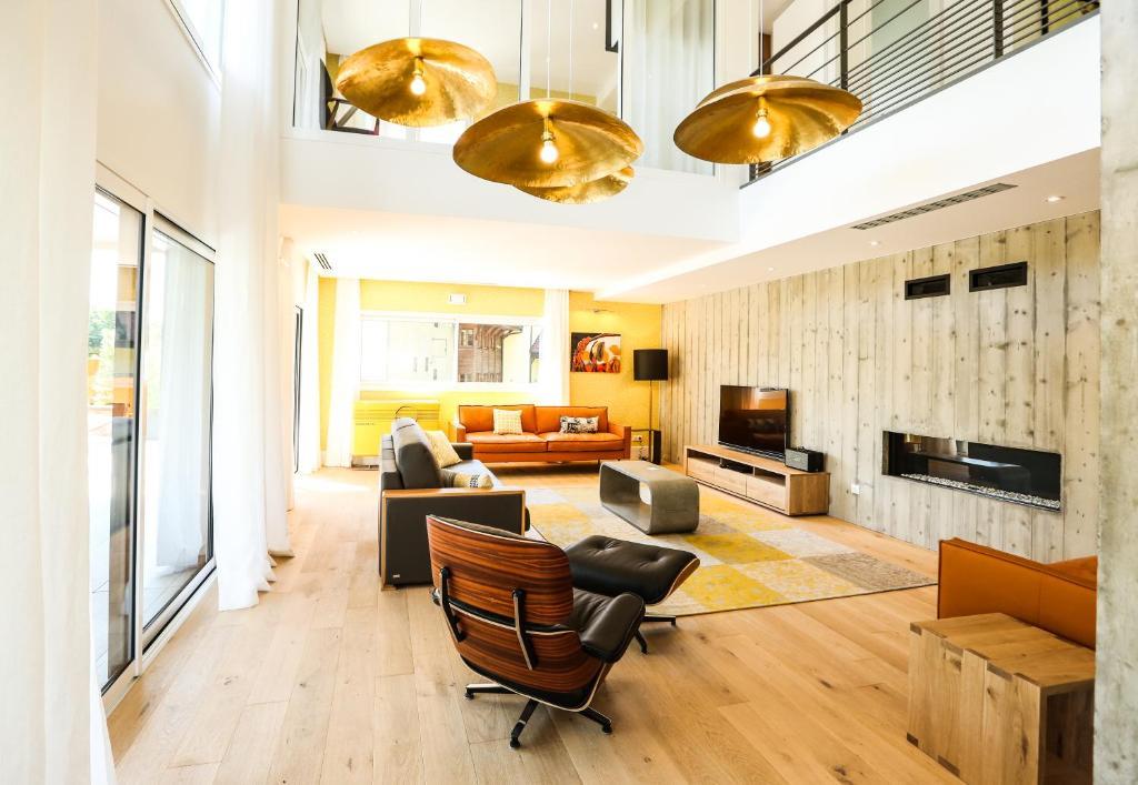 Salon ou bar de l'établissement Le Kube Annecy centre Villas Prestige