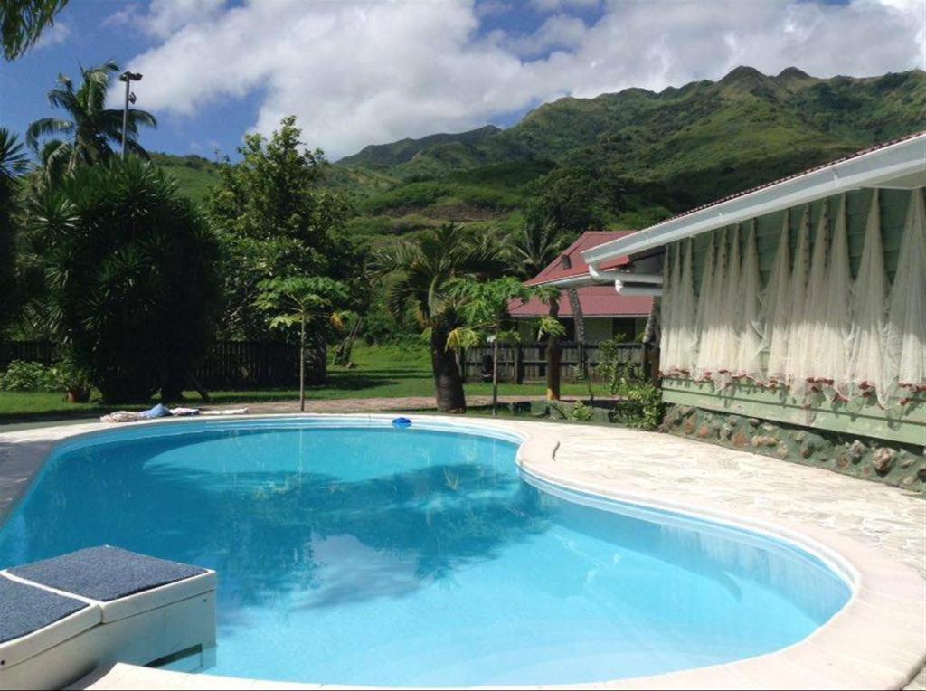 The swimming pool at or near Fare Apitia