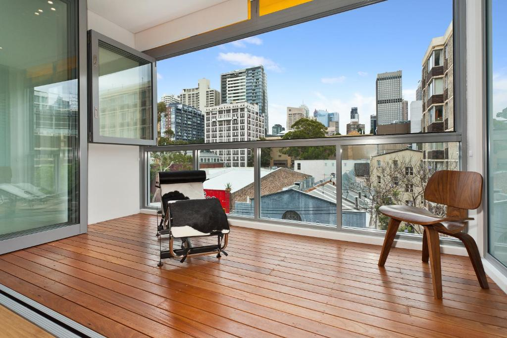 New York on Riley - Split-Level Executive 2BR Darlinghurst Apartment with a New York Feel