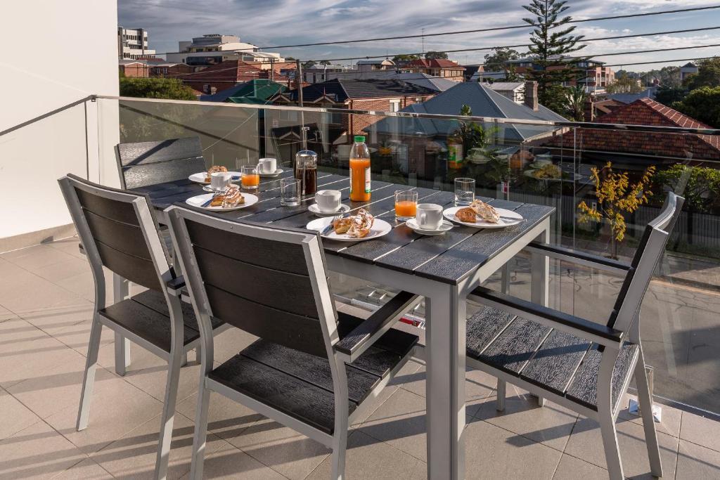 A balcony or terrace at Hamilton on Denison