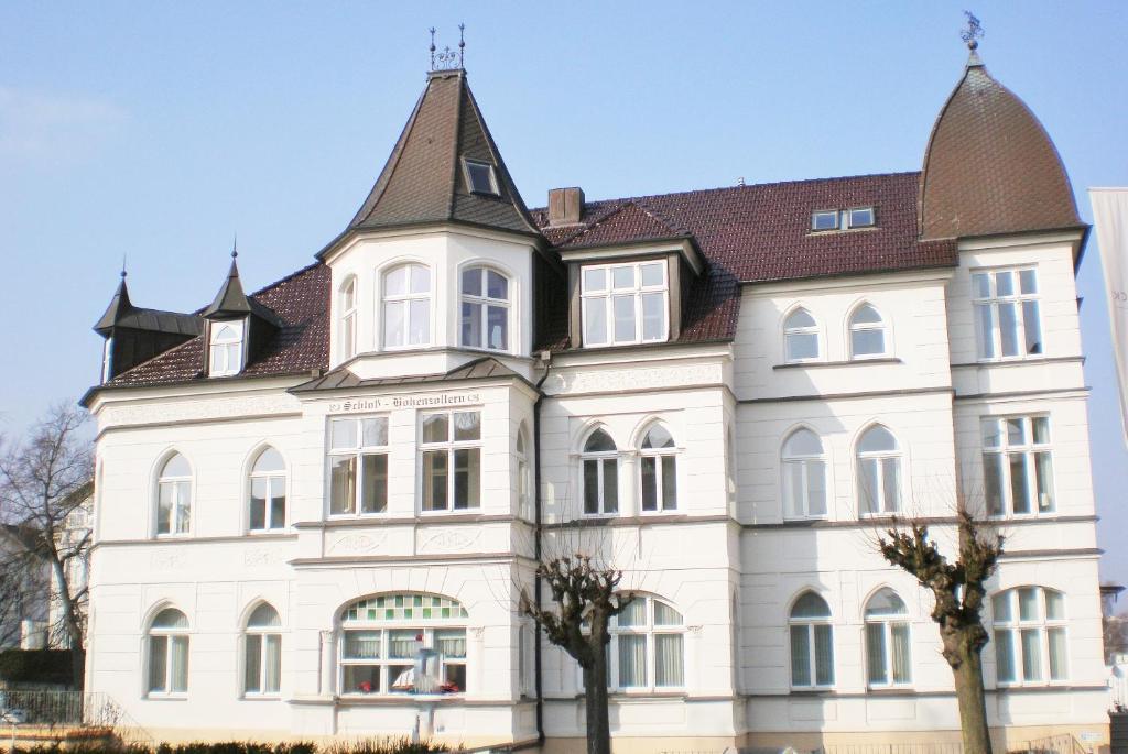 Ferienwohnung Schloss Hohenzollern 70 M Zum Strand Ahlbeck Aktualisierte Preise Fur 2020