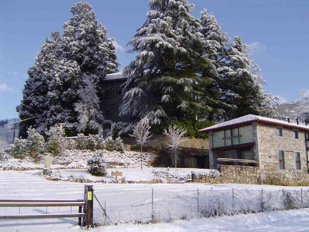 Apartamentos Rurales El Lleron en invierno