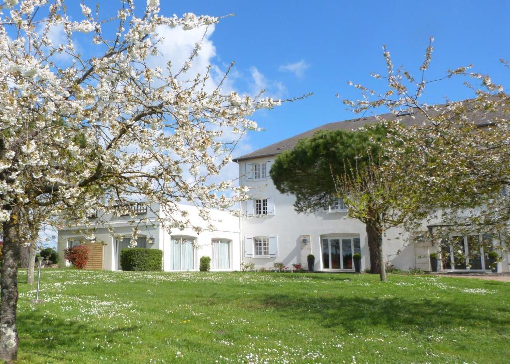 Logis Hotel des Chateaux Azay-le-Rideau, France