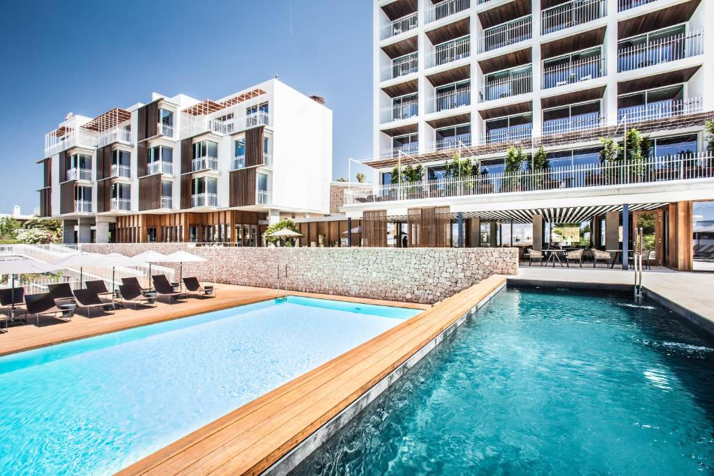 The swimming pool at or near Ocean Drive Talamanca