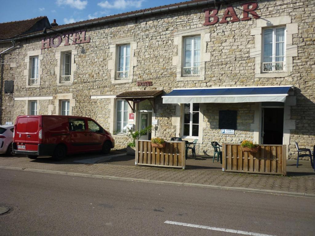 Hotel Neptune Montbard, France