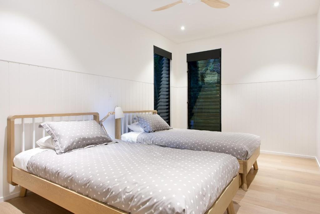 A room at Luxury rainforest retreat, Little Cove