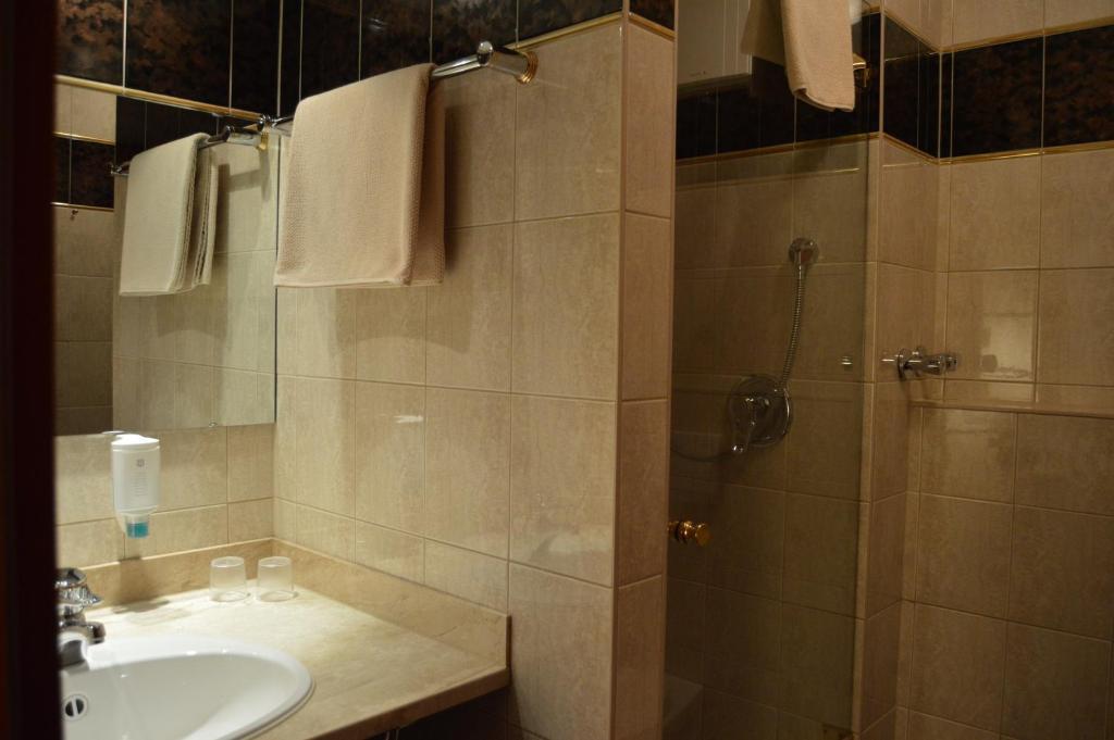 Ein Badezimmer in der Unterkunft Hotel Stadt Jessen