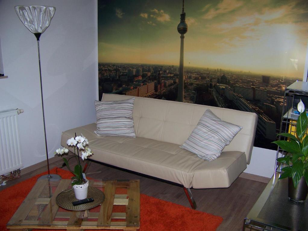 Ein Sitzbereich in der Unterkunft Ferienwohnung vor den Toren Berlins