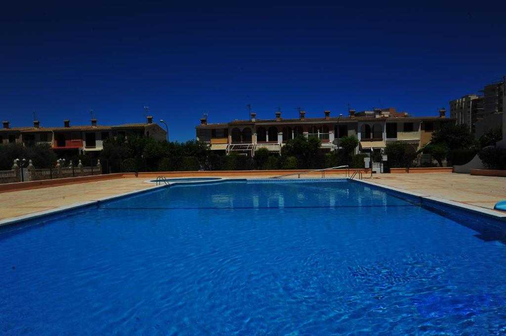 The swimming pool at or close to Bungalows Castellmar Orange Costa