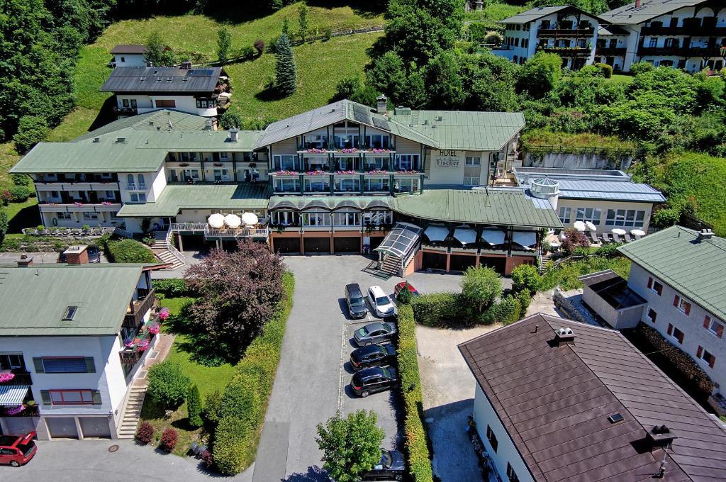 Blick auf Alpenhotel Fischer aus der Vogelperspektive