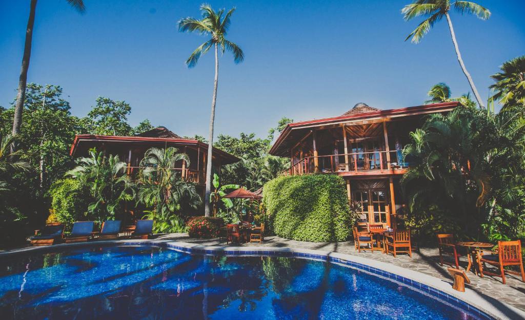 Piscine de l'établissement Tambor Tropical Beach Resort ou située à proximité