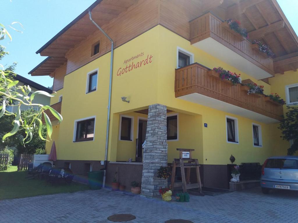 Ein Patio oder anderer Außenbereich in der Unterkunft Apartmenthaus Gotthardt