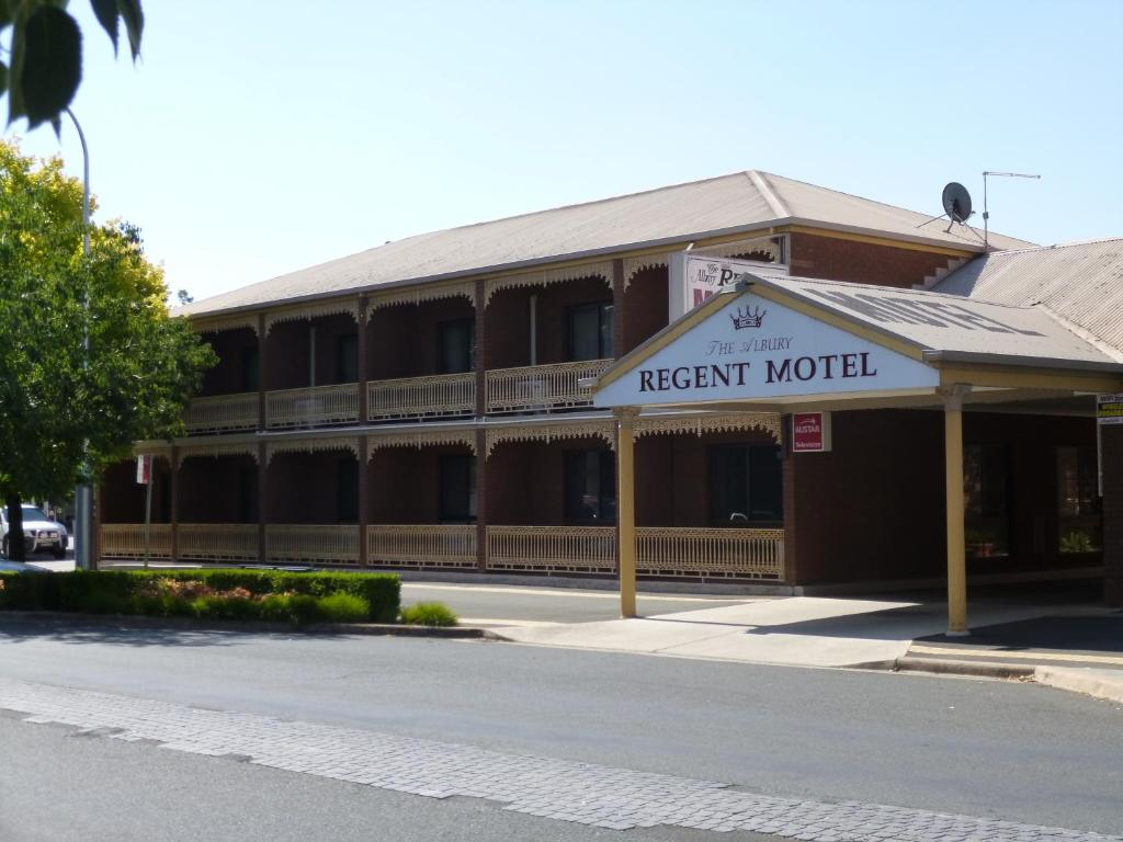 The facade or entrance of Albury Regent Motel