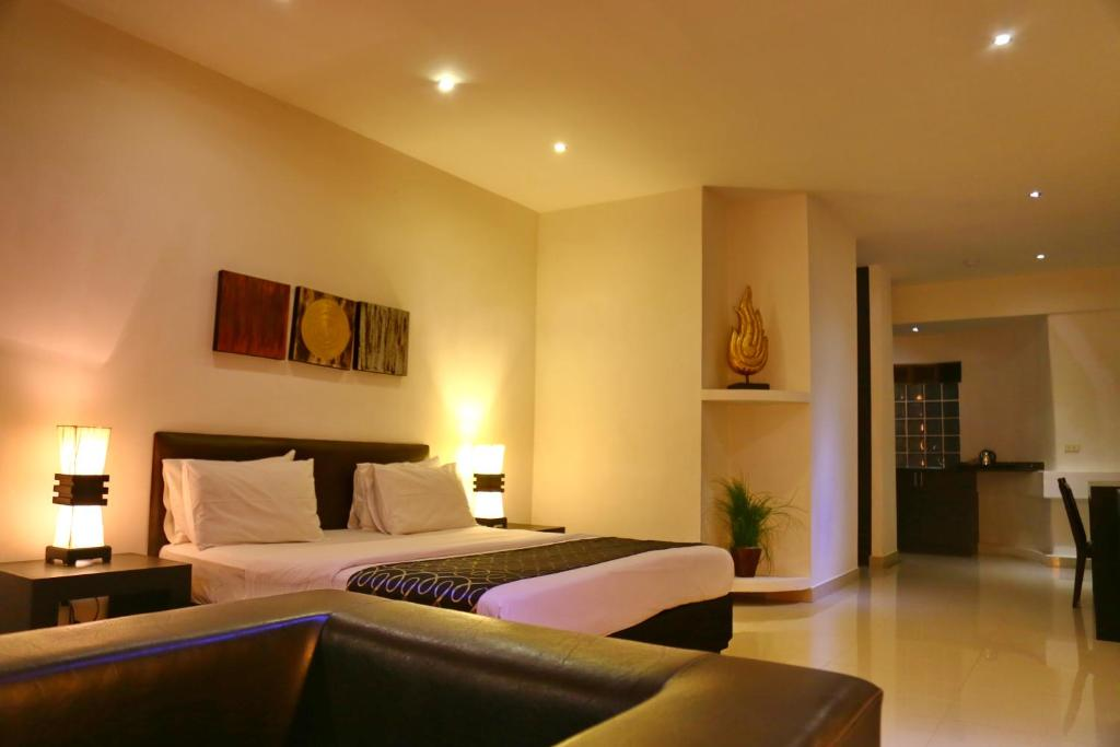 A room at East Suites