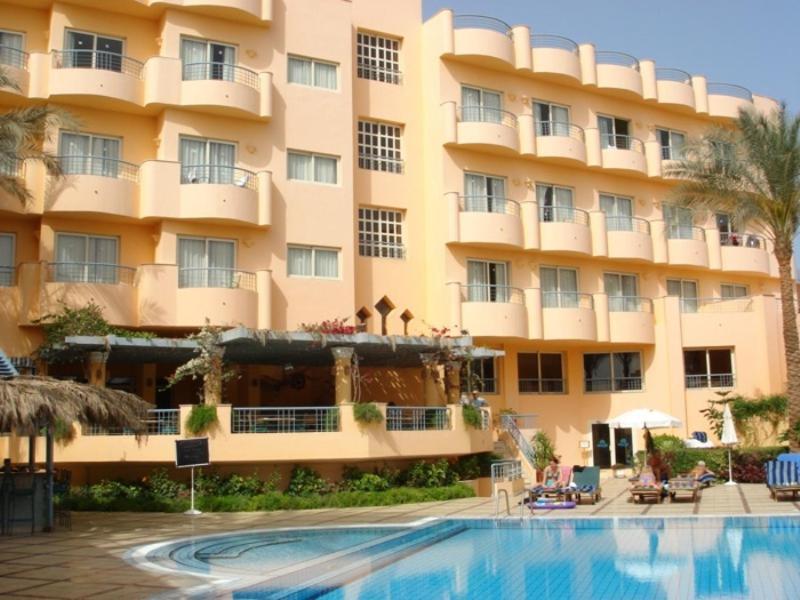 المسبح في فندق سى جاردن أو بالجوار