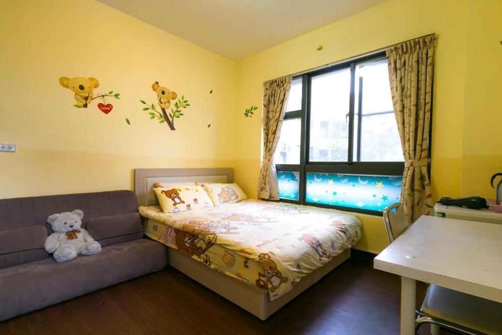 心戀逢甲房間的床