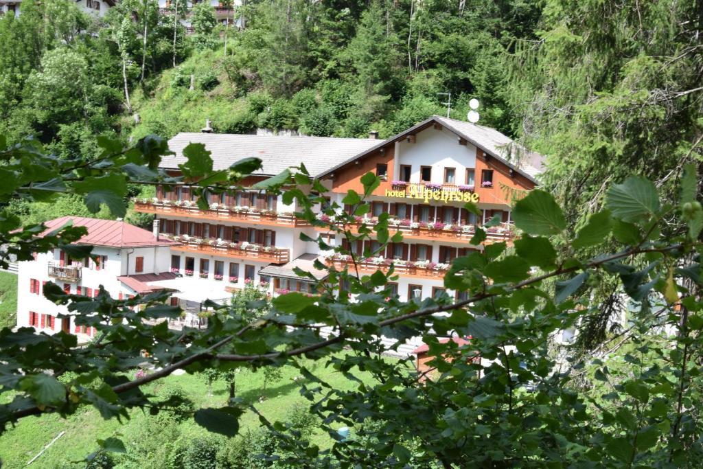Hotel Alpenrose Alleghe, Italy