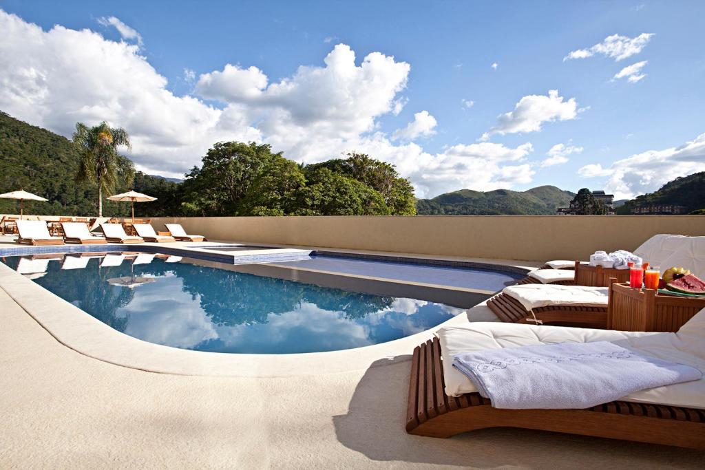 A piscina localizada em Hotel Granja Brasil Resort ou nos arredores