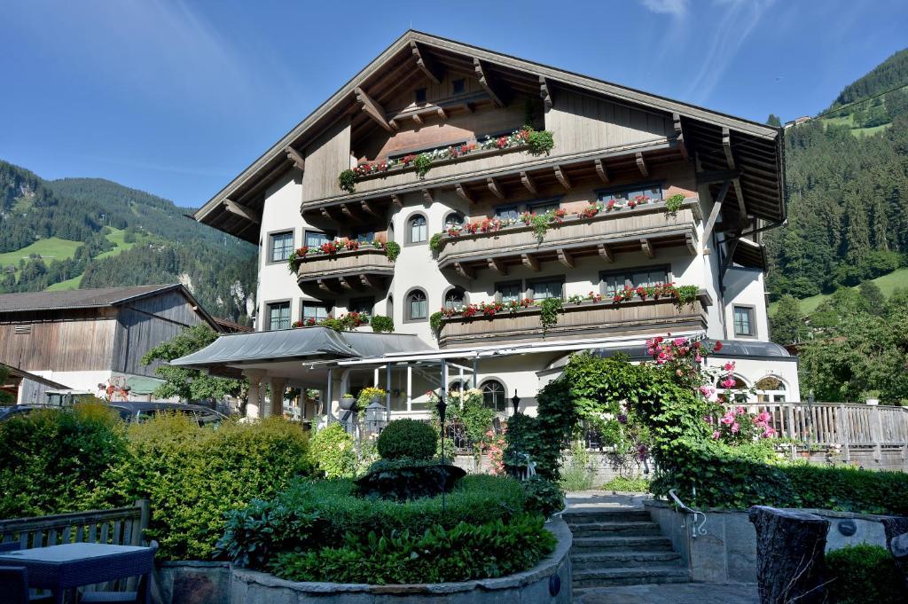 Ferienhotel Neuwirt Hippach, Austria